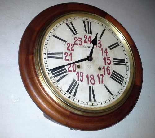 Antiguo reloj de pared ansonia usa tipo estacion funciona