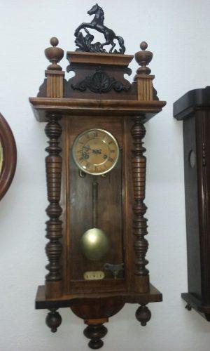 Antiguo reloj de pared junghans años1900 a pendulo funciona