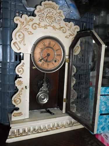 Antiguo reloj de pared pendulo americano ansonia funcionando