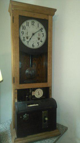 Antiguo reloj de pendulo fichero de ferrocarril