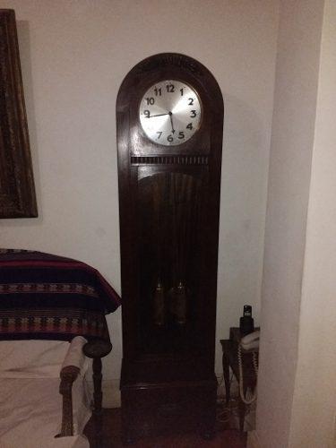 Antiguo reloj de pie roble aleman junghans funcionando