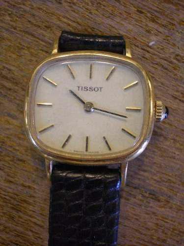 Antiguo reloj pulsera tissot a cuerda funcionando
