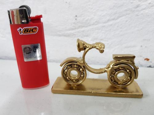 Arte chatarra artesanía en metal reciclado moto miniatura