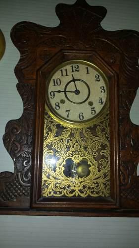 Reloj antiguo a cuerda y pendulo con soneria