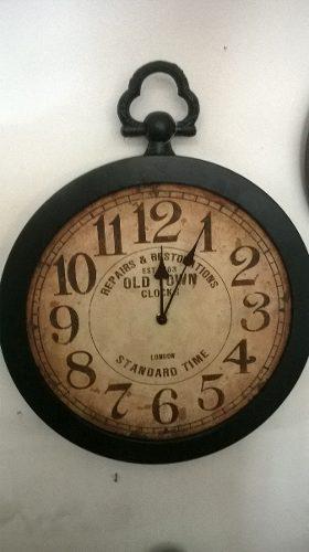 Reloj de pared estilo antiguo, marco metalico diametro 40 cm