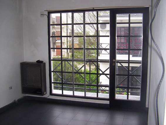 Departamento 1 dormitorios, 2do piso por escalera en La
