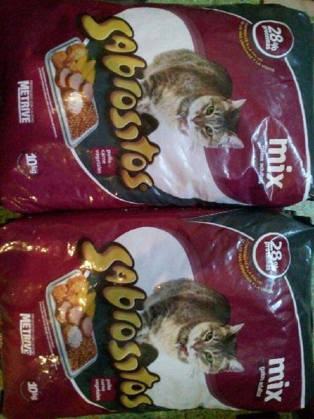 Alimento bal. sabrositos 2 bolsas x 10kg. 670- c/u.