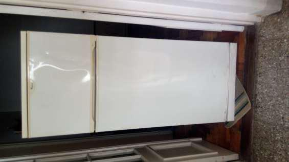 Heladera whirpool con freezer usada en buen estado vendo en