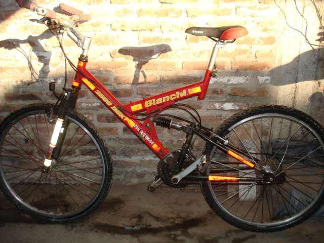 Bicicleta bianchi, triple amortiguacion, ideal para montaña