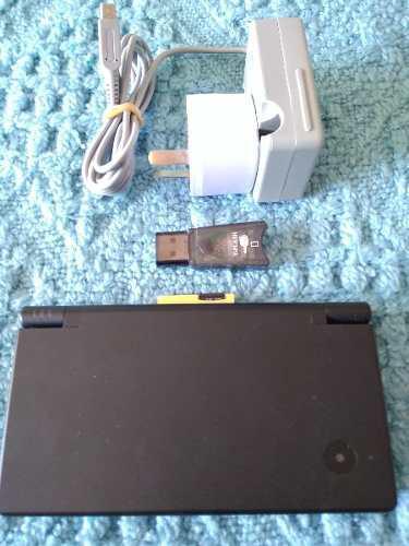 Nintendo dsi negra 32gb + 280 juegos + cargador + pendrive