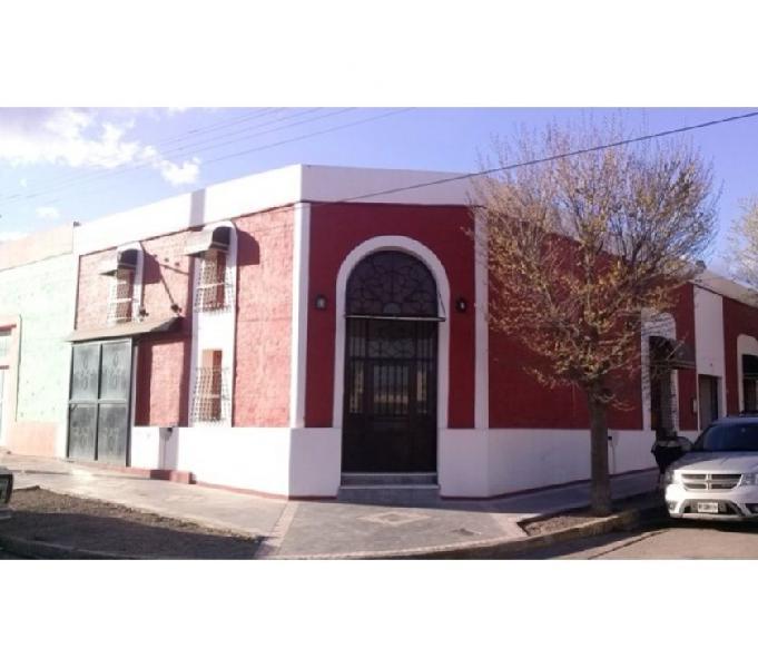 Venta - casa en esq. c. rivadavia y belgrano - patagones