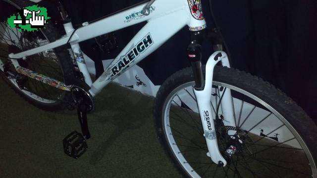 Bicicleta raleigh dirt año 2012 impecablee!!! en Buenos