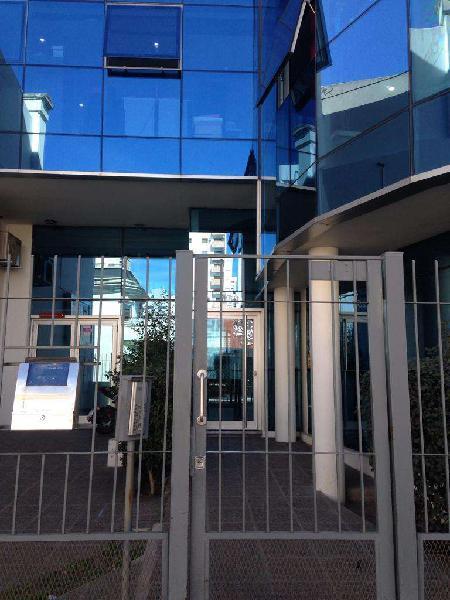 Oficina en alquiler, moderna, y excelente ubicación,centro