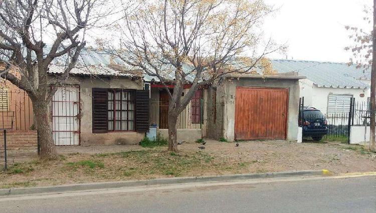 Venta: casa 2 dormitorios • b municipal - neuquen capital