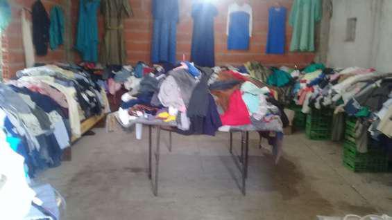 Venta por mayor de ropa seminueva en González Catán