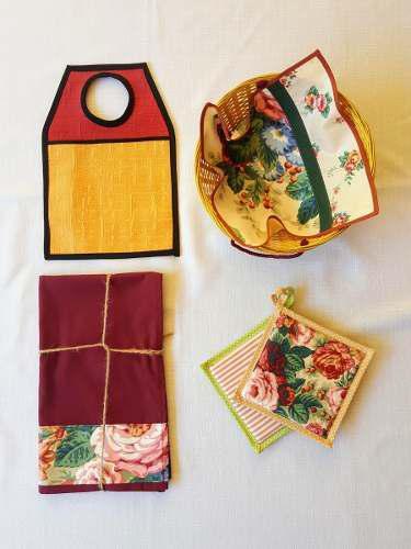 Camino de mesa + panera con cubre + bolsa para auto + agarra