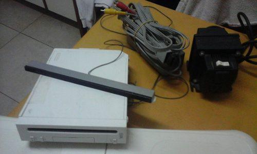 Wii nintendo + joystick + juegos + accesorios
