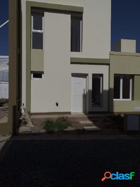 Excelente Duplex y Casa a Estrenar. Villa Allende 3