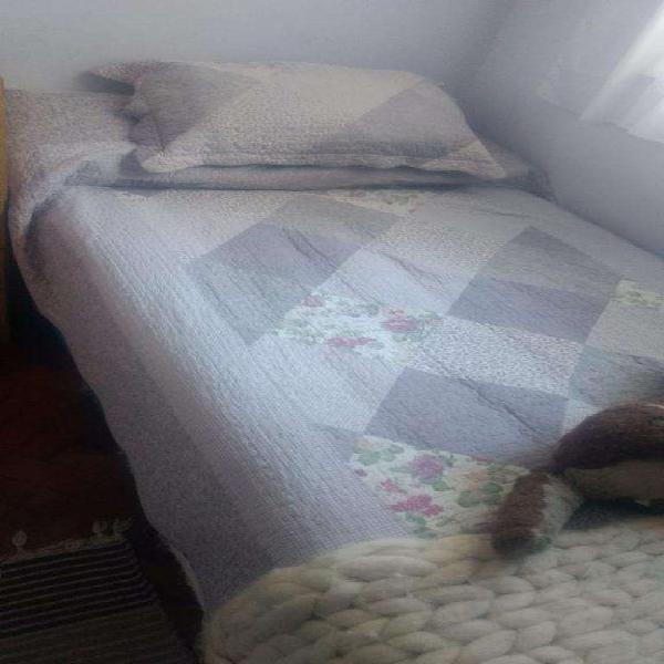 Sommier y colchón plaza y media