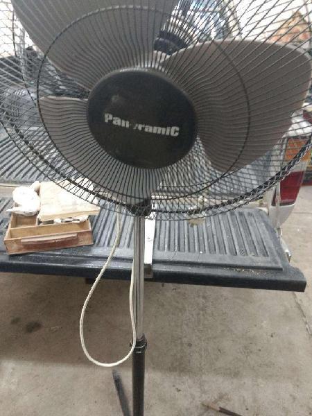 Vendo ventilador de pie a reparar