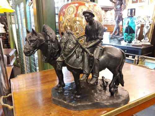 Antigüa escultura de bronce firmada. envio gratis
