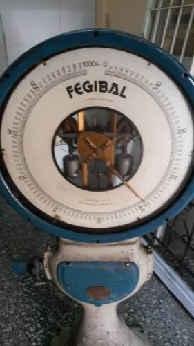 Antigua balanza reloj bascula