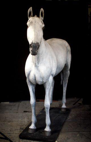 Arte, artesanias, escultura,caballo blanco,hiperrealista