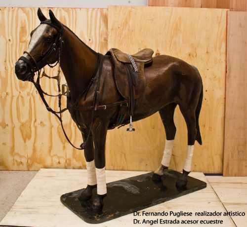 Arte, artesanias, esculturas, caballo de polo, hiperrealista