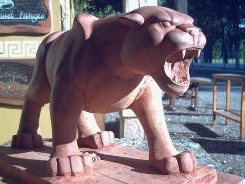 Puma tallado -esculturas por encargo-