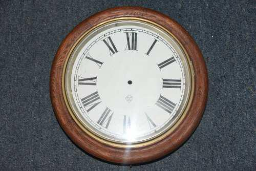 Reloj de estacion antiguo pared. sin maquina impecable