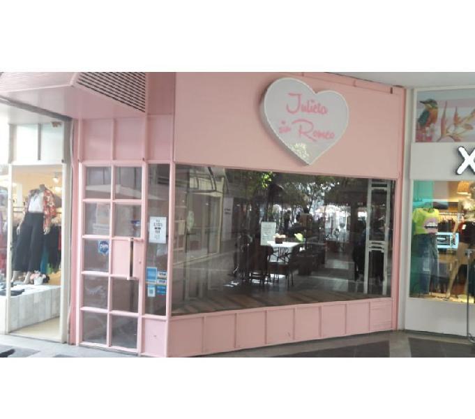 2 locales comerciales Glria Paseo del Angel fte Plaza Roca