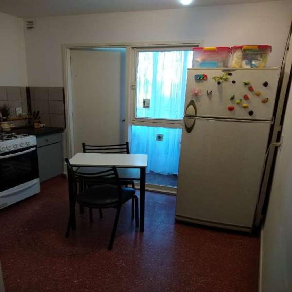 Dos dormitorios zona jockey a cuadras de av. valparaiso en