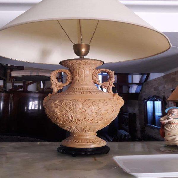 Antigua lampara de mesa
