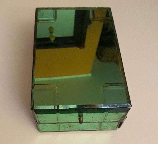 Caja de madera y cristal verde, siglo xix, para restaurar