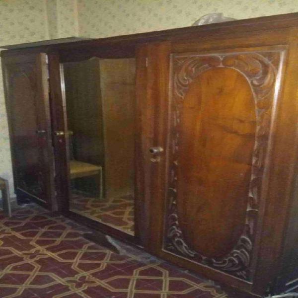 Juego de dormitorio antiguo, estilo frances. tallado a mano,