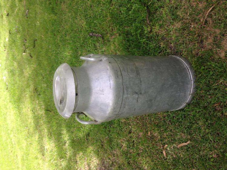 Tarro lechero de aluminio