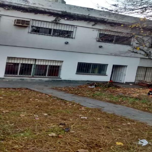2 casas s av gral paz sobre 2 lotes financio retasada en