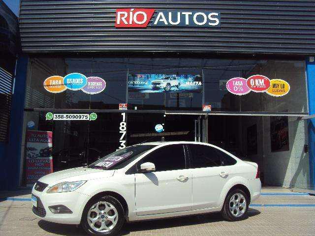 Ford focus ghia 2.0 a/t excelente estado 2012