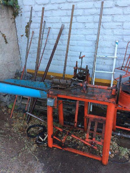 Máquina para tejer alambre
