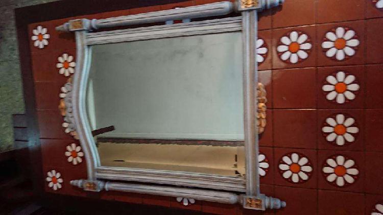 Antiguo espejo francés madera tallada y patinada exquisito