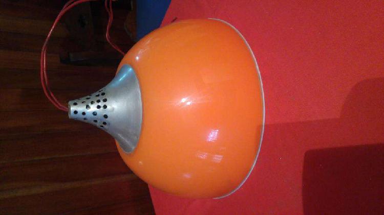 Colgante acrílico color naranja diseño retro vintage