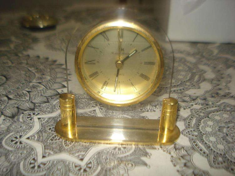 Reloj de mesa richard marcell pinton funcionando no envi