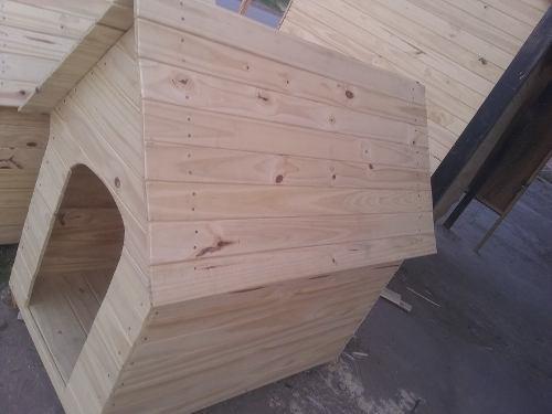 Cuchas de madera para perros grandes