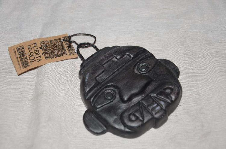 Mascara anticua de colombia cultura san agustin