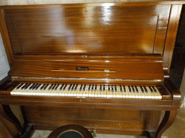 Piano vertical aleman stenwai