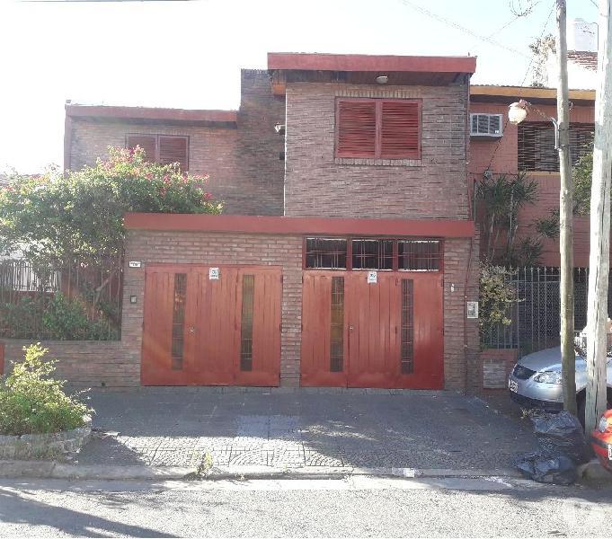 Ramos mejia excelente zona residencial 4 habitaciones 2 coch