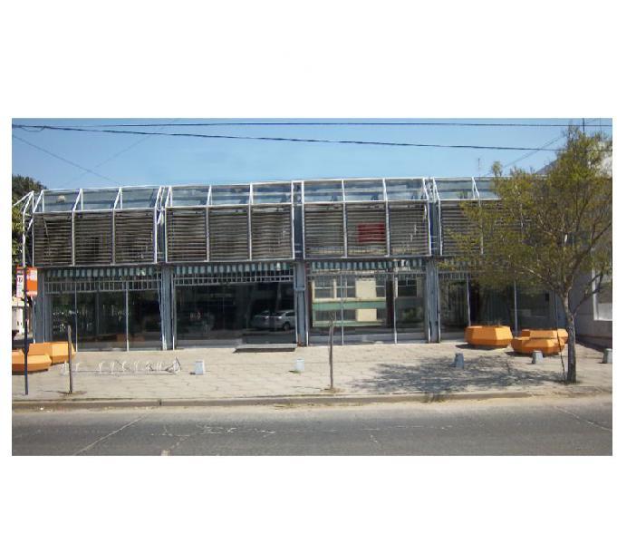Alquiler local esquina en córdoba, 750 m2, a mts av fuerza