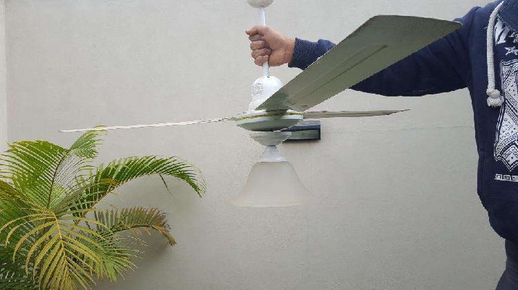 Vendo ventilador de techo con lampara