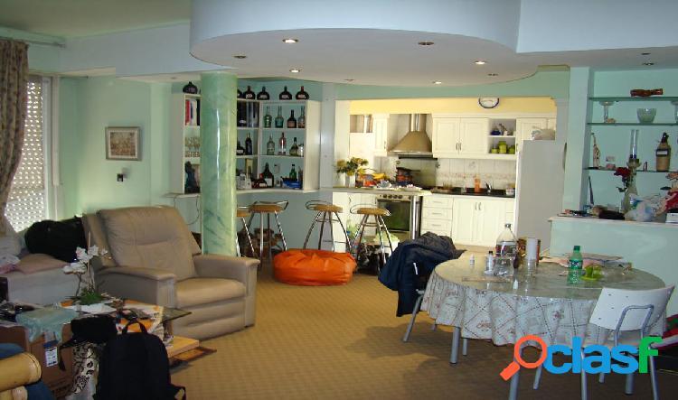 Departamento 3 ambientes externo en Playa Grande