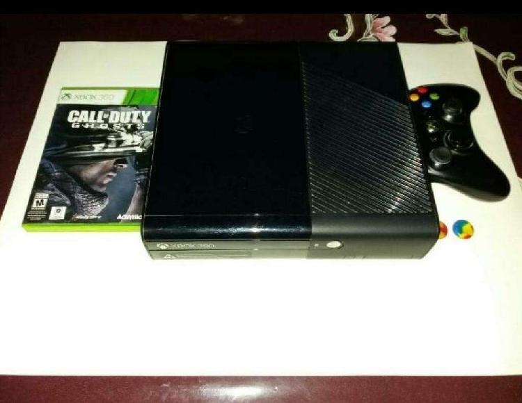 Xbox 360 usada 1 joystick 32 juegos
